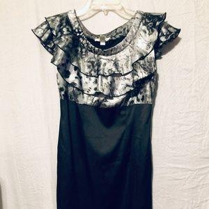 Dress by Dress barn size 6